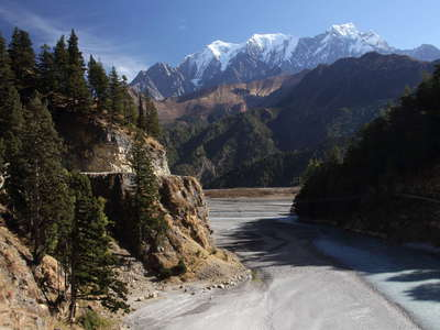 Kali Gandaki Valley with Nilgiri