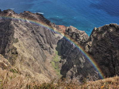 Nā Pali Coast  |  Awa'awapuhi Valley with rainbow