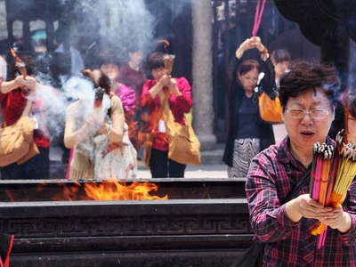 Shanghai  |  Believers at the City God Temple