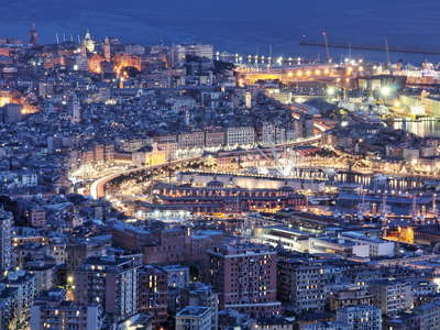 Genova | Harbour and historic centre at night