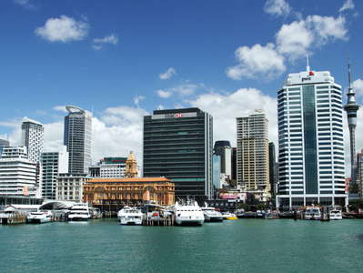 Auckland  |  Ferry harbour and CBD