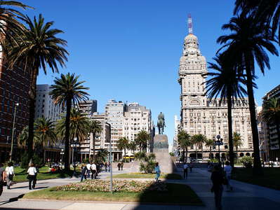 Montevideo  |  Plaza de Independencia