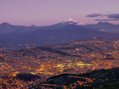 Quito with Volcán Cotopaxi