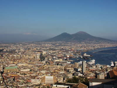 Nápoli and Vesuvio