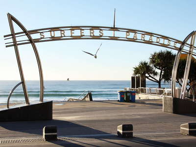 Surfers Paradise  |  Beach access
