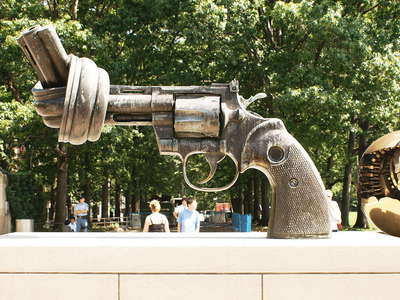 UN Headquarters  |  Non-Violence sculpture