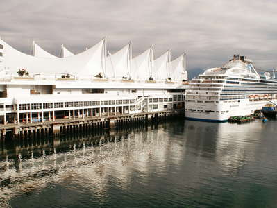 Vancouver  |  Canada Place with cruise ship