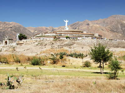 Yungay  |  Campo Santo with cemetery hill