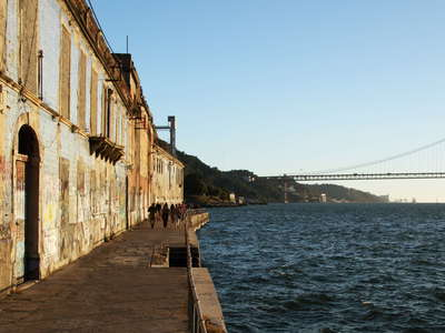 Lisboa  |  Cais do Ginjal and Ponte 25 de Abril