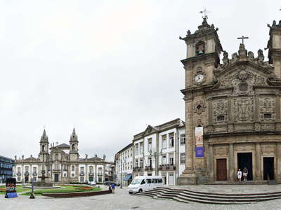 Braga  |   Panorama of Largo de Santa Cruz