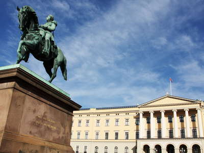 Oslo  |  Royal Palace with statue of Karl XIV Johan