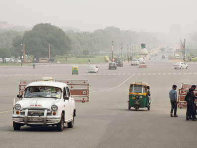 New Delhi  |  Rajpath with India Gate