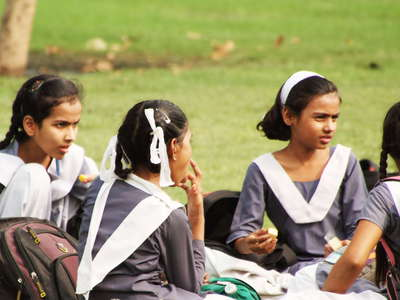 New Delhi  |  Young students at India Gate Lawns