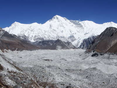 Gokyo Valley  |  Ngozumba Glacier and Cho Oyu