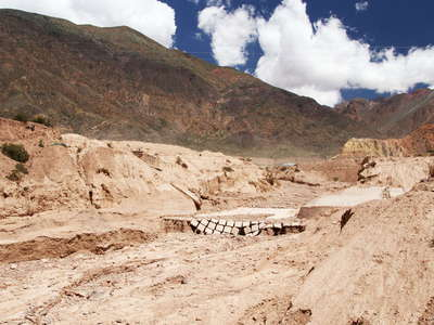 Valle Mendoza  |  Destroyed road bridge