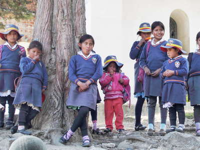 Quebrada Ishinca  |  School children