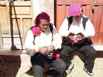 Isla Taquile  |  Knitting men
