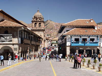 Cusco  |  Plaza de Armas and Calle Mantas