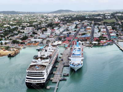 St. John's | Town centre with cruise ships