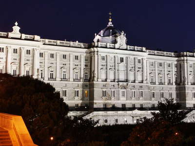 Madrid | Palacio Real at night