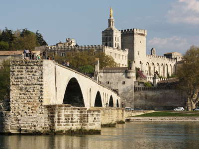 Avignon | Pont Saint-Bénézet and Palais des Papes