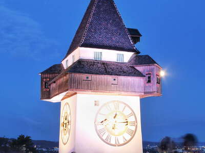 Graz | Uhrturm at night